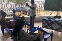 Dr Jacques-Aimé Bazeboso face aux parents